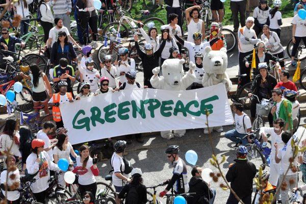 Greenpeace требует от Роспотребнадзора создать систему сбора медотходов у населения. Поддержите инициативу!